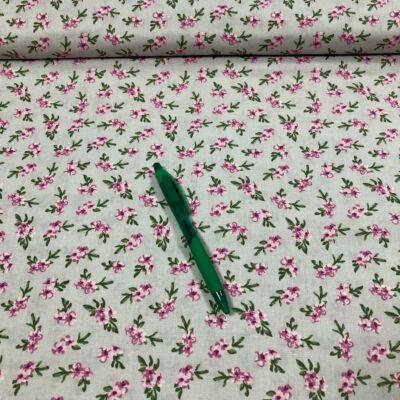 halványzöld alapon apró virág mintás pamut karton