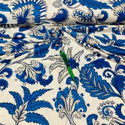 fehér alapon kék virág mintás viszkóz pólóanyag