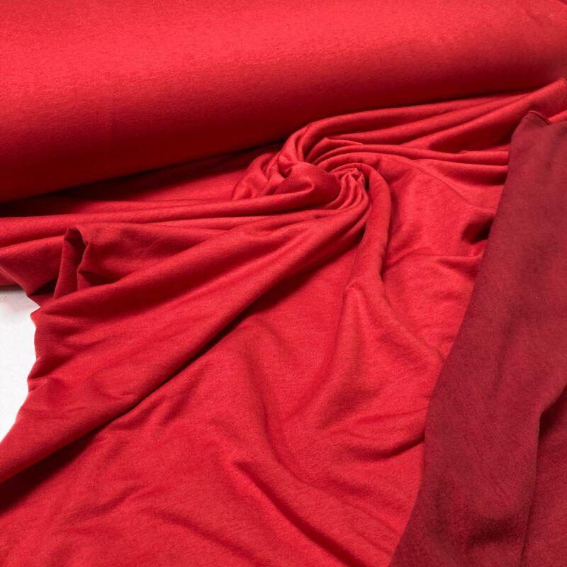 piros bolyhozott finom futter