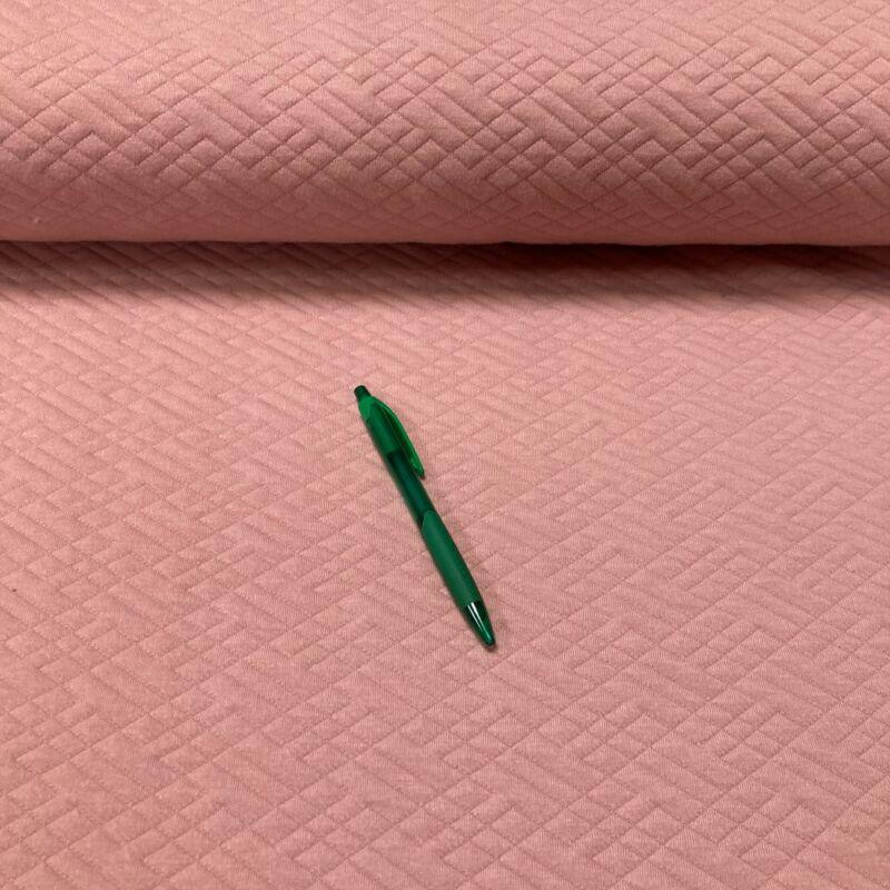 rózsaszín kötött hatású anyag