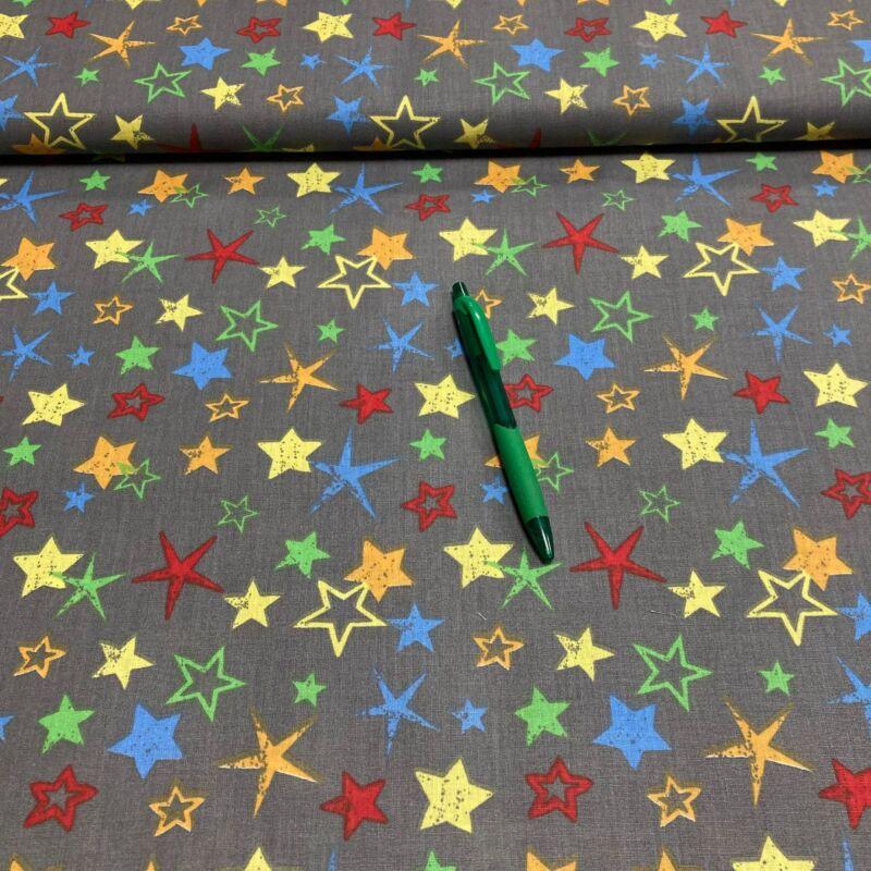 szürke alapon színes csillag mintás pamut karton