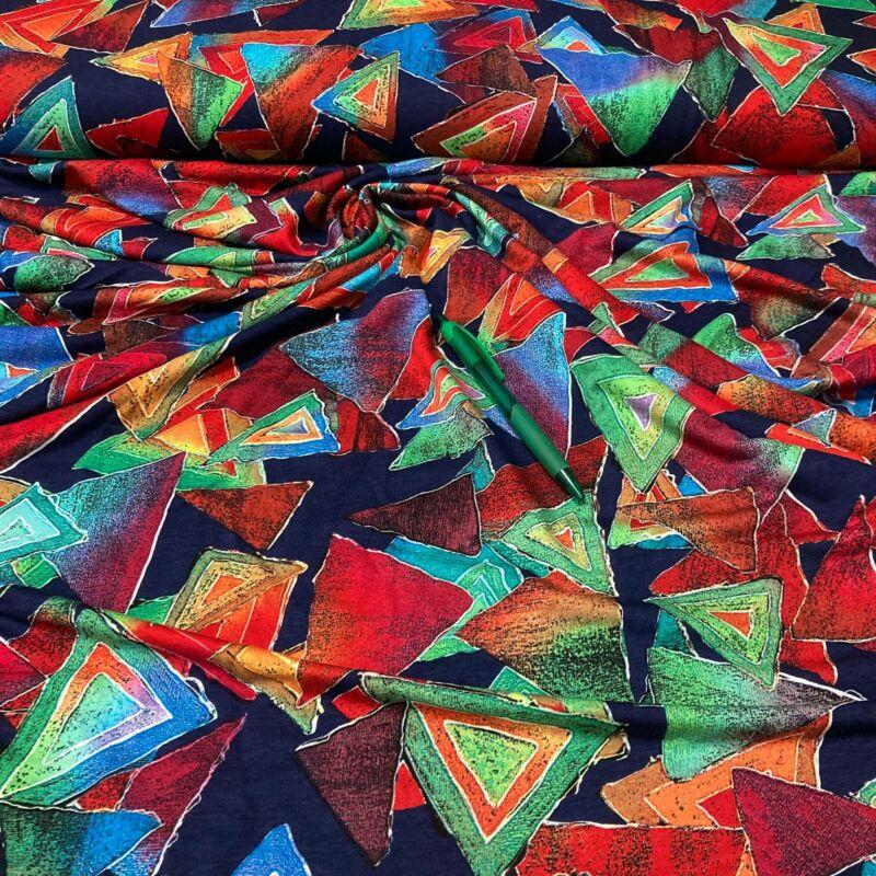 színes háromszög mintás viszkóz pólóanyag
