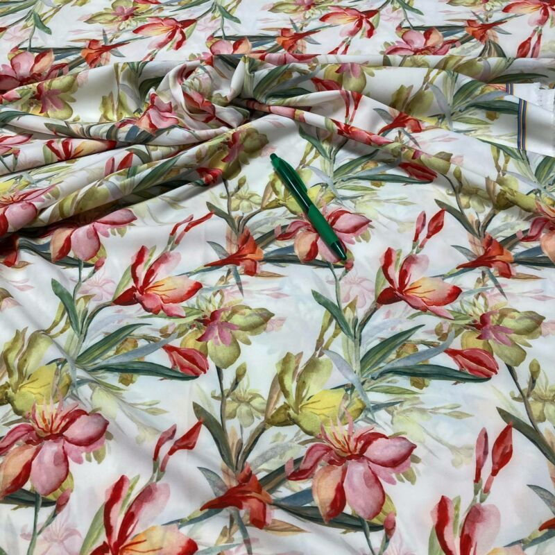 fehér alapon virág mintás rugalmas silky selyem