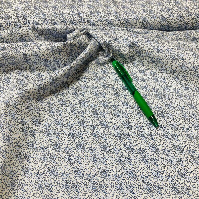 fehér alapon kék mintás sztreccs puplin