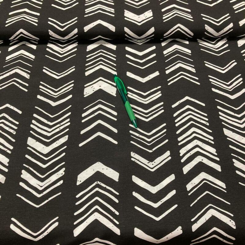 fekete alapon háztető mintázatú loneta vászon
