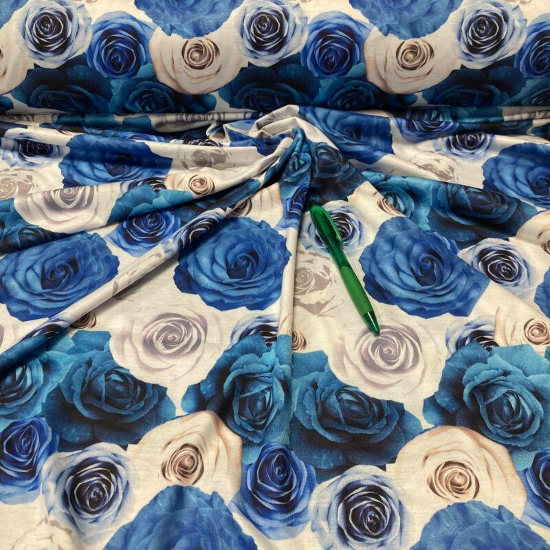 kék-fehér rózsa mintás viszkóz