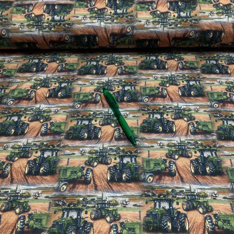 zöld traktor mintás kevert szálas futter