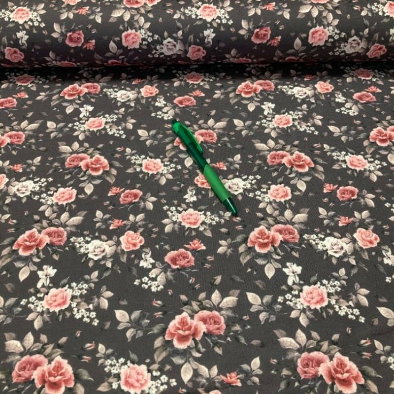 fekete alapon rózsa mintás kevert szálas futter